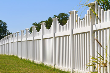 Confier la pose de votre clôture à une entreprise spécialisée