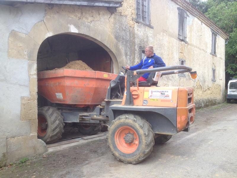 Piraux terrassement : location de benne de chantier près de Auch