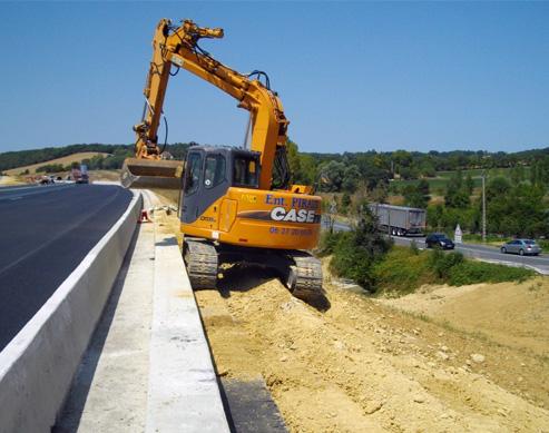 Réalisation des fondations du mur anti bruits de la RN 124